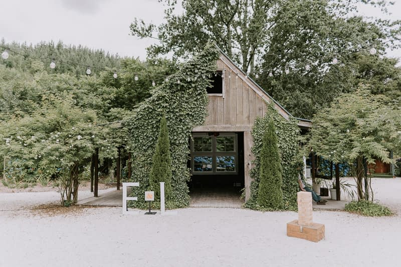 Old Forest School wedding with Luke and Emma 0210